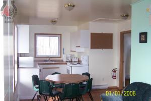 Sunrise Cabin kitchen